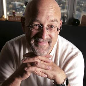Dr. Daniel Gilbert